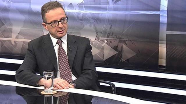 Сотиров: Радев не си прави партия, той само сводничи на олигарсите