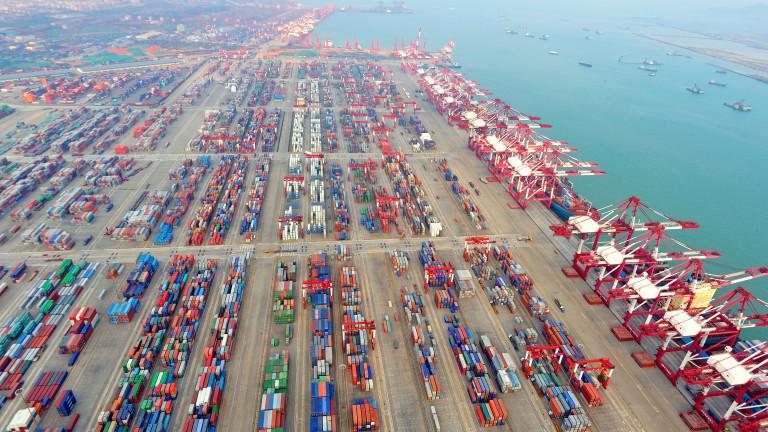 Хаос на пристанищата. Но корабните компании се готвят за невиждани досега печалби