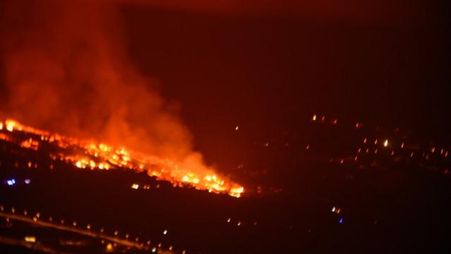 Около 100 жилища унищожени от вулкана на Канарските острови
