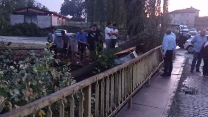 Смерч удари села в Тополовградско
