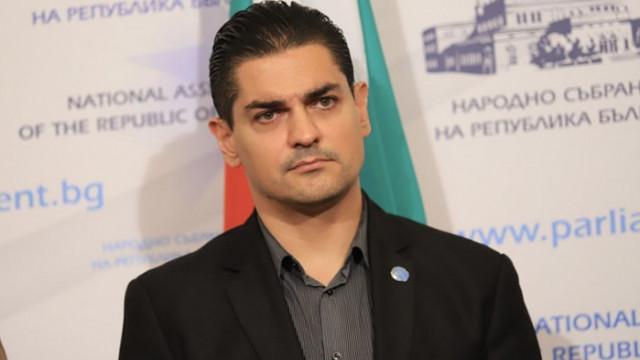 Василев от ИТН обяви новият слоган на ДБ за повече гласове: Говори Кириле, говори