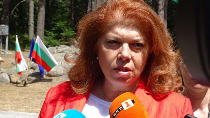 """""""България продължава да бъде под силен европейски натиск да се"""