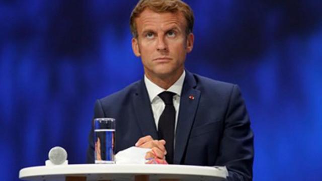 Макрон връща френския посланик в САЩ след разговора с Байдън