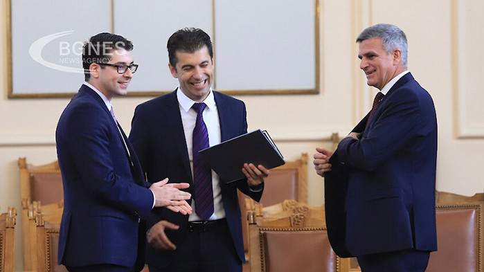Няма да участвам в проекта на бившите министри Кирил Петков