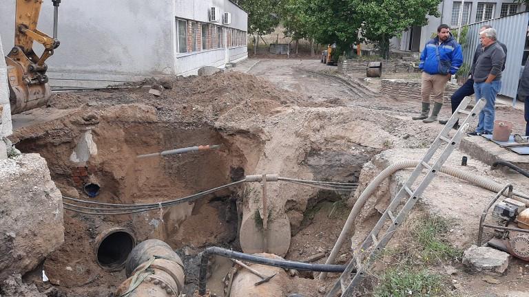 В 2 ч. през нощтааварията на водопровод в Хасково е