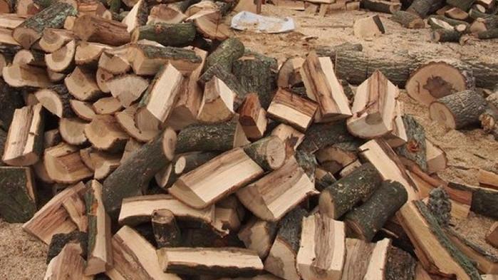 Цената на дървата за огрев и пелетите скача значително с