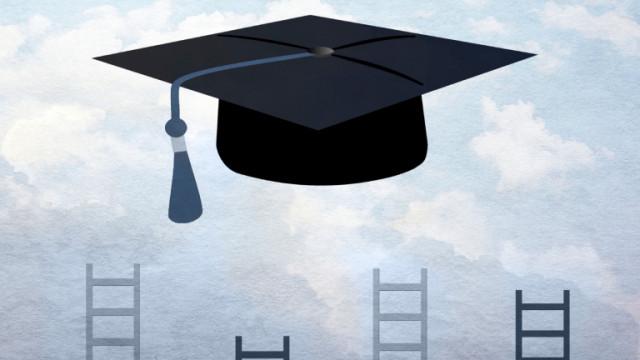 Все по-малко българи искат да учат в чужбина