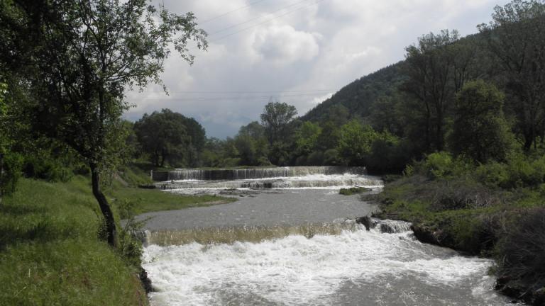 Разкриха незаконен добив на злато по река Струма