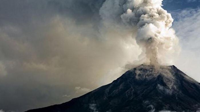 Вулканичните изригвания на остров Ла Палма се засилиха (ВИДЕО)