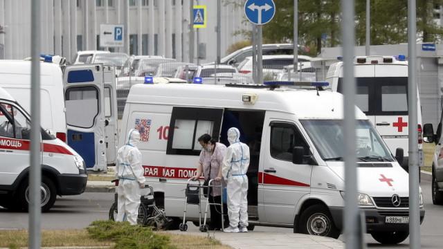 Русия с над 22 000 нови случая на COVID-19 за първи път от месец