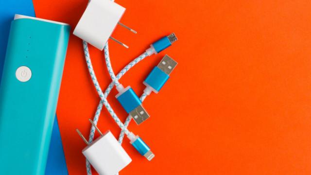 ЕК и предложението за уеднаквяване на зарядните за телефони