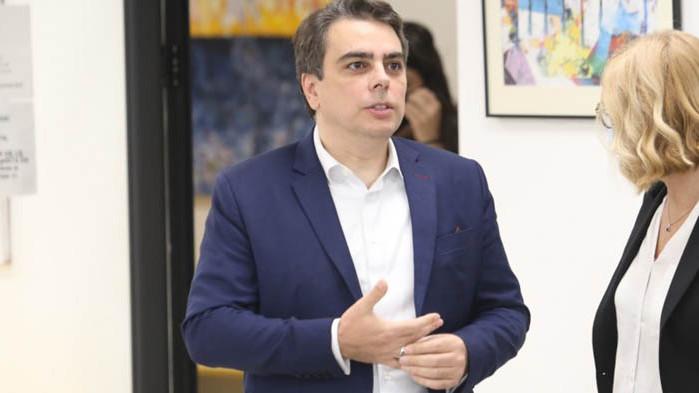 Бившият служебен министър увери, че не искали пари от хората