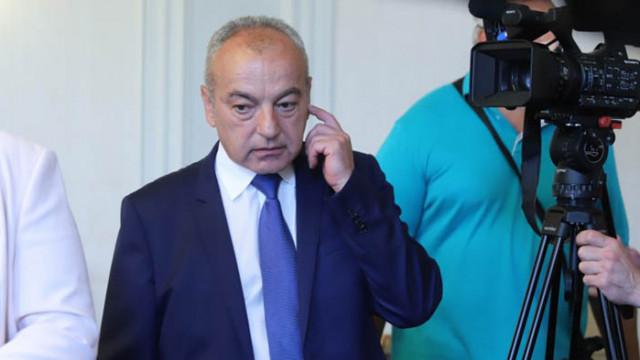 Гълъб Донев заяви, че ще има вдигане на минималната работна заплата, но не и до 760 лева