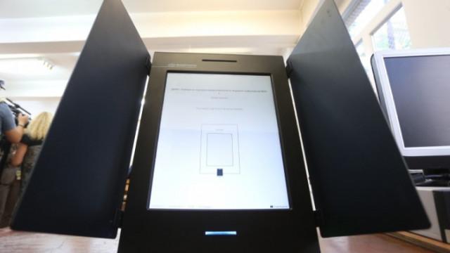 ЦИК: И без нови машини, ще проведем изборите съгласно правилата