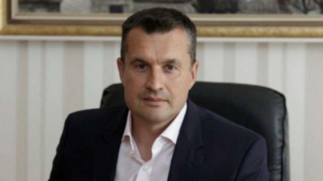 """Калоян Методиев: Радев прилага принципа """"Подривай и владей"""""""