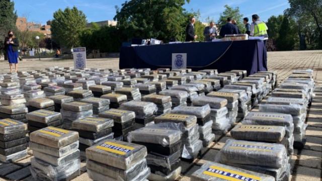 Разбиха най-голямата в Европа мрежа за трафик на кокаин с членове главно от Балканите
