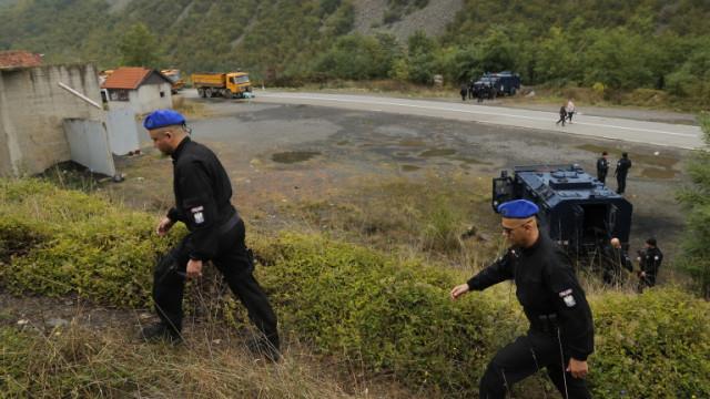 Сърбия изтегля всичките си бронирани машини от границата с Косово