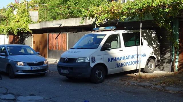 Повдигнаха две обвинения на задържания за убийството на родителите си в Благоевград