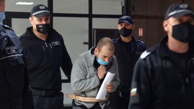 Обвиненият за двойното убийство в Благоевград: Аз убих майка си и баща си, ай стига бе!