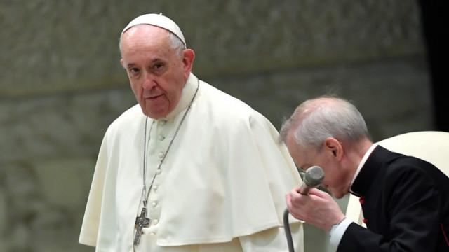 Папата се срамува от неспособността на Католическата църква да се справи със сексуалното насилие
