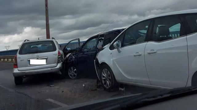 Верижна катастрофа предизвика задръстване на Аспарухов мост и централната част на Варна