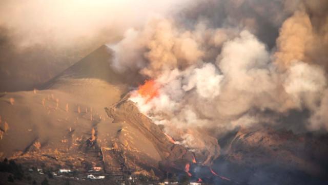 Евакуираха още 700 души на о. Ла Палма заради нова активност на вулкана Кумбре Виеха