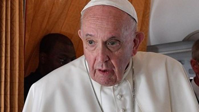 Папа Франциск ще посети бежанския лагер на остров Лесбос
