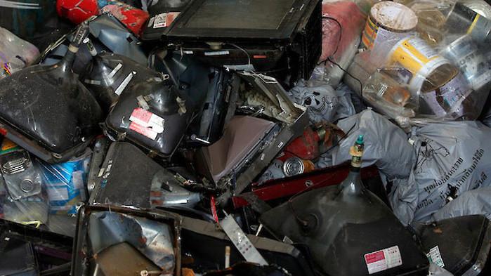 Всяка година човечеството изхвърля електронни отпадъци, тежащи повече от Великата китайска стена