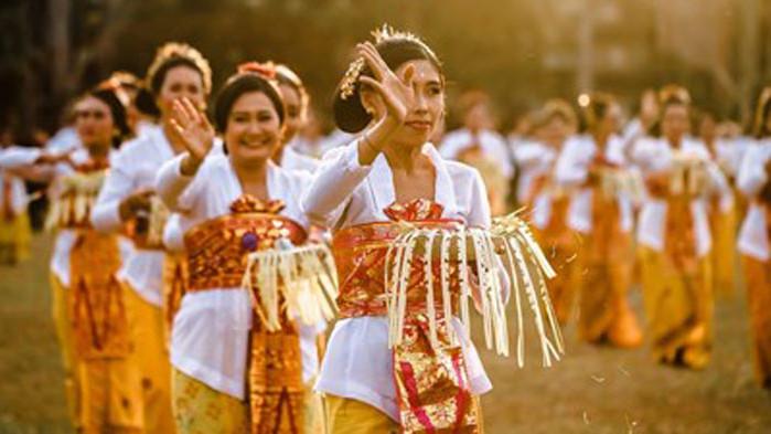 Индонезия пак кани туристи, но само имунизирани
