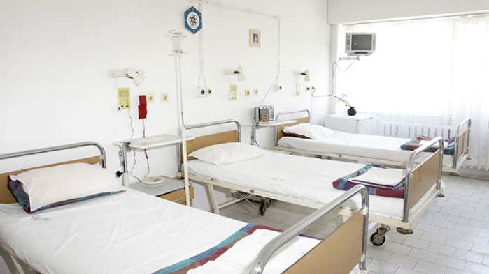 Неваксинираните пациенти с COVID-19 да си плащат лечението, искат болниците