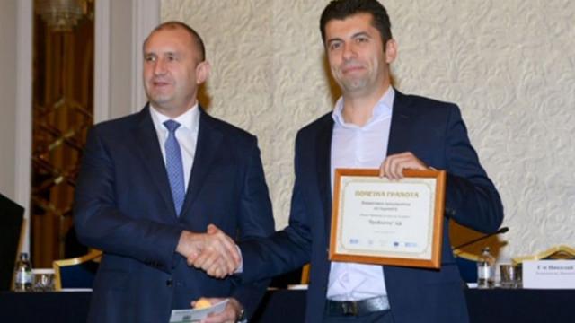 Димчев: Радев на 100 метра от Петков при откриване на кампанията