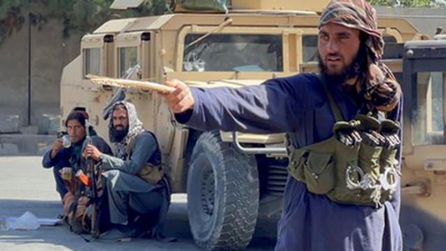 Талибаните ще позволят на момичетата да ходят на училище и след 6-и клас