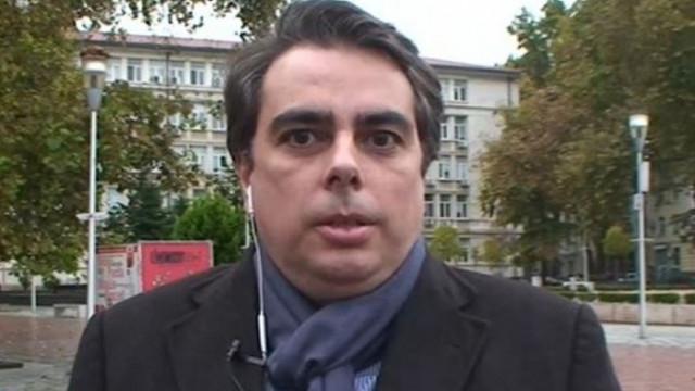 Асен Василев за преговорите с ИТН и БСП: Ние си говорим с хора, които сме намерили за смислени