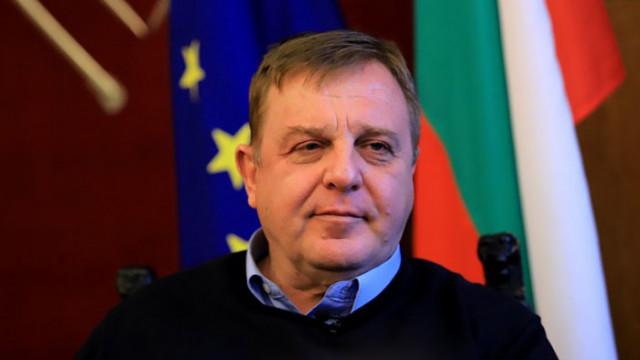 """Каракачанов: Политици, които идват само, за да """"намажат филията"""", са еднодневки"""