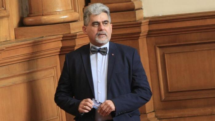 Българският президент трябва да бъде не само олицетворяващ, а и