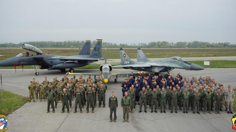 Екипажи на F-15 E се пребазираха в авиобаза Граф Игнатиево