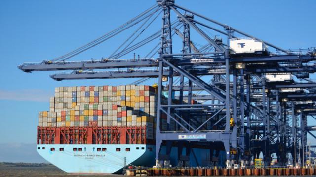 Глобалната криза, обхванала товарното корабоплаване, може да продължи още 18 месеца