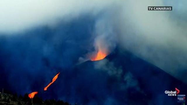 Лавата от вулкана Кумбре Виеха опустошава Ла Палма (видео от дрон)