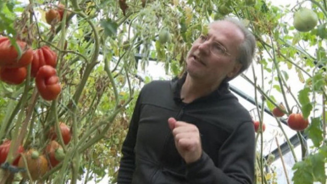 Лозан Панов: Когато си сваля дрехите и отида в градината, човек вече е малко по-различен