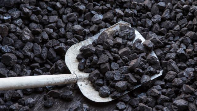 Въглищата в Китай прехвърлиха немислимите доскоро $300 за тон