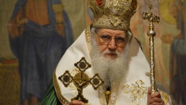 Прекланяме се пред подвига на българските лекари и се молим Христос да ги пази и укрепва