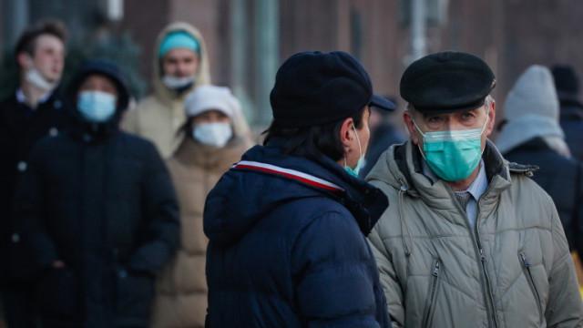 Москва забрани на неваксинираните над 60 г. да напускат домовете си