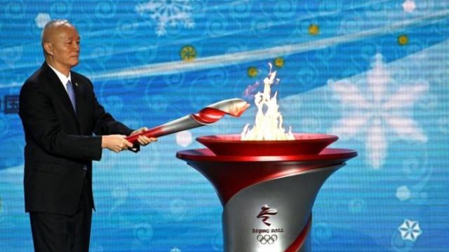 Олимпийският огън пристигна в Китай