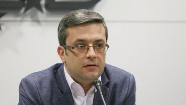 Биков: Можем ли да разрушим границите с Република Северна Македония?