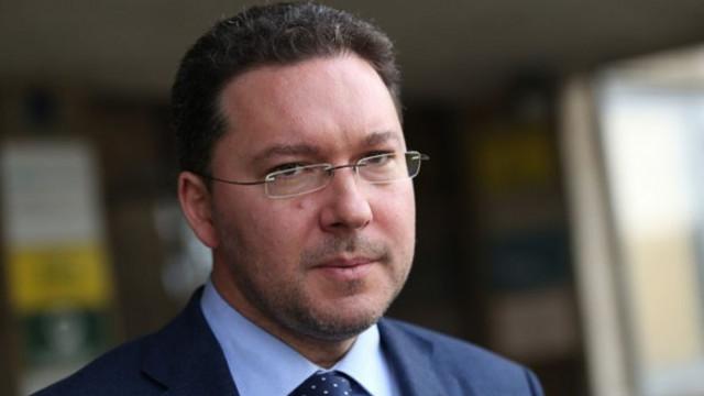 Даниел Митов: Румен Радев не може да управлява кризи