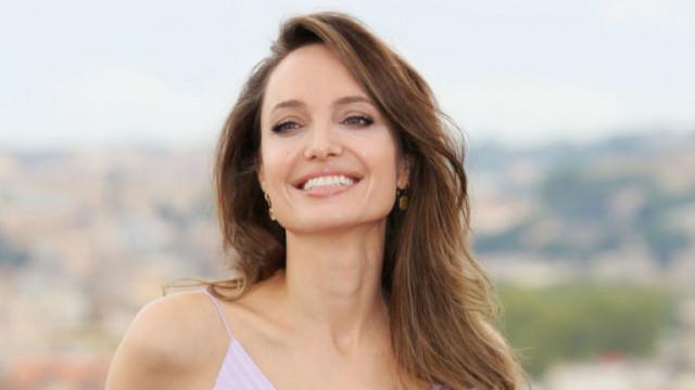 Какво се случва в личния живот на Анджелина Джоли