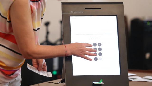 ЦИК увери: няма проблем със съхраняването на машините