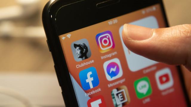 Facebook и как платформата следи притежателите на iPhone