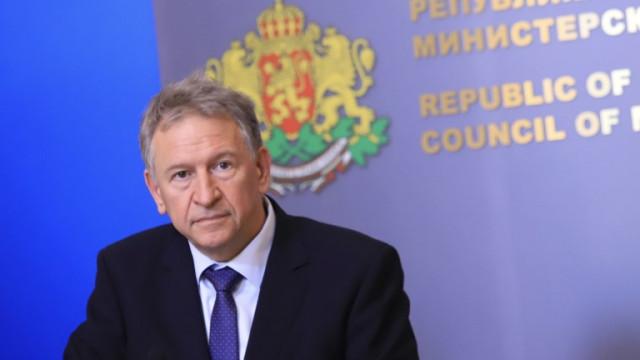 Стойчо Кацаров: Резервите в болниците се изчерпват