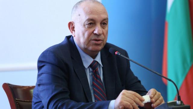 Зам.-министър Златанов: Ако пандемията продължи с това темпо, неминуемо ще се стигне до локдаун